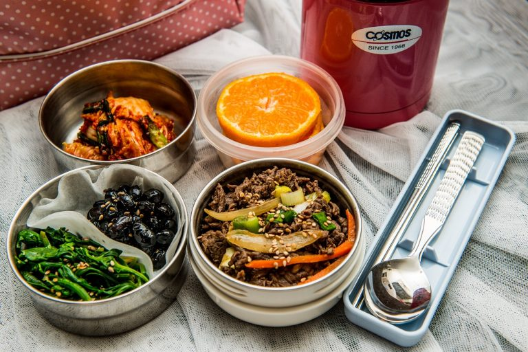 燜燒罐和保溫飯壺都是科技進步的產物